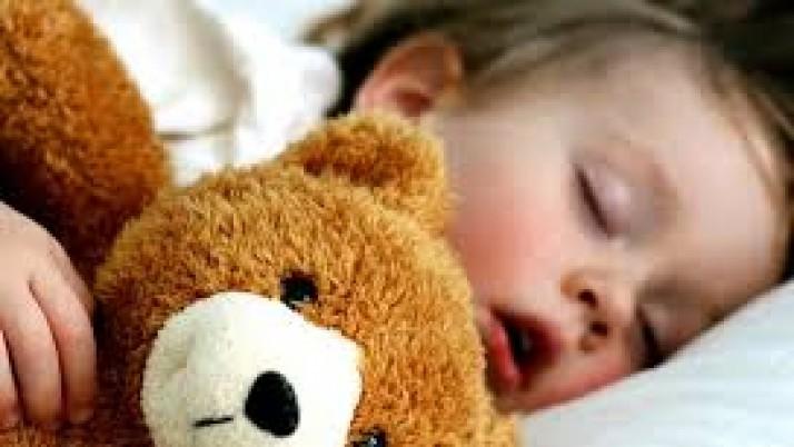 Πως να βοηθήσουμε τα παιδιά στο θέμα του ύπνου